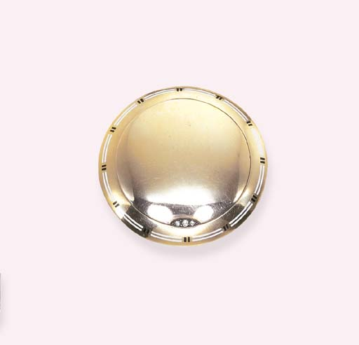A GOLD AND ENAMEL PILL BOX, BY