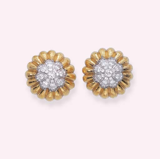 A PAIR OF DIAMOND AND GOLD FLO
