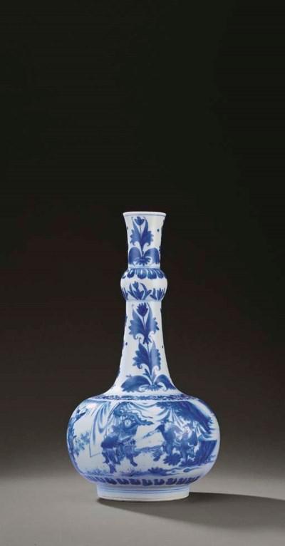 A FINE BLUE AND WHITE BOTTLE V