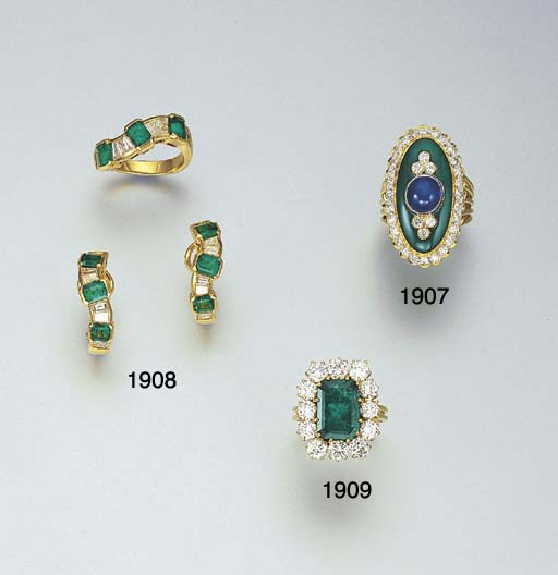 A SAPPHIRE, GREEN CHALCEDONY A