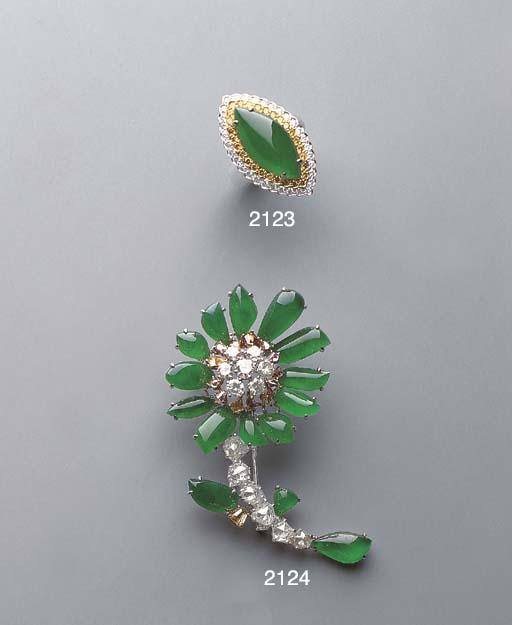 A JADEITE, DIAMOND AND YELLOW DIAMOND RING