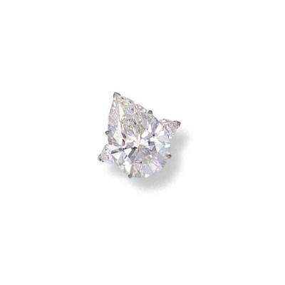 A FAINT PINK DIAMOND AND DIAMO