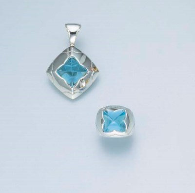 A SET OF 18K WHITE GOLD AND BL