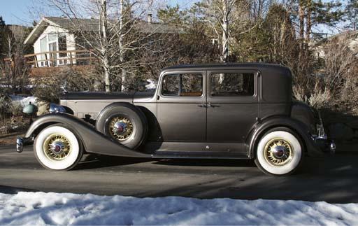 1933 PACKARD V12 MODEL 1005 CLUB SEDAN
