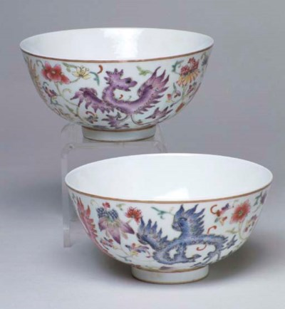 A PAIR OF CHINESE PORCELAIN PH