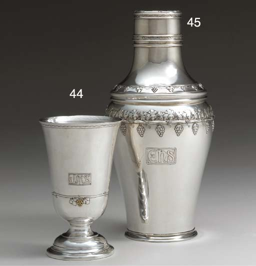A SILVER AND GOLD WINE GOBLET
