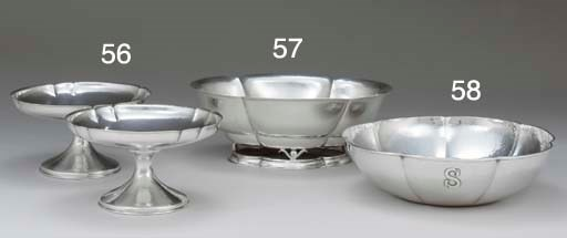 A PAIR OF SILVER COMPOTES
