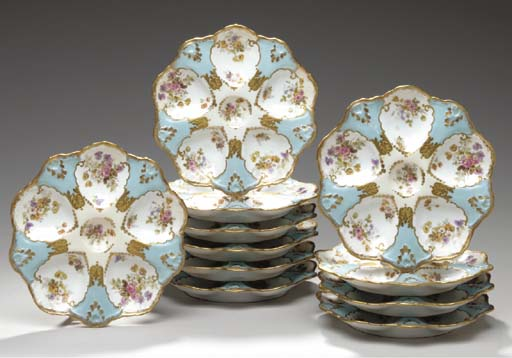 ELEVEN FRENCH PORCELAIN PALE-B