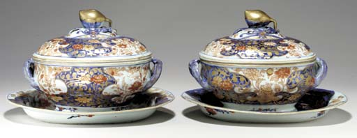 A PAIR OF TUREENS, COVERS AND