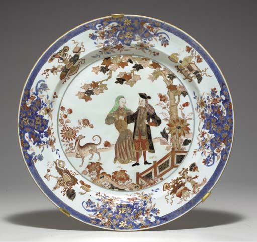 A LARGE CHINESE IMARI EUROPEAN SUBJECT CHARGER