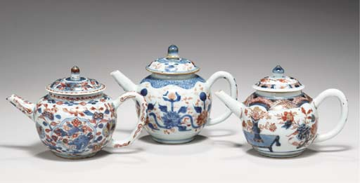 THREE CHINESE IMARI TEAPOTS AN