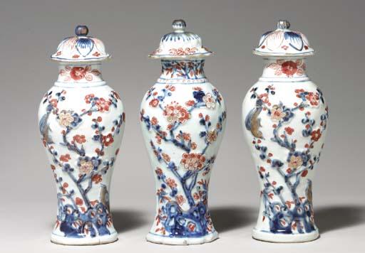 THREE CHINESE IMARI VASES AND