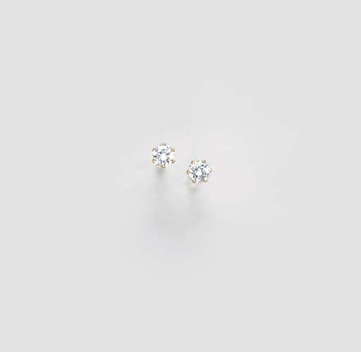A PAIR OF DIAMOND AND 14K GOLD