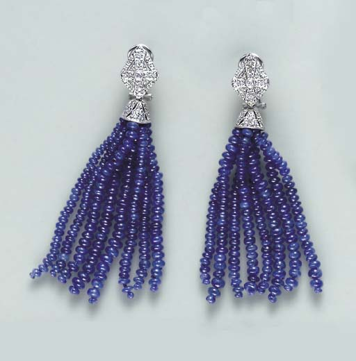 A PAIR OF SAPPHIRE, DIAMOND AND 18K WHITE GOLD EAR PENDANTS