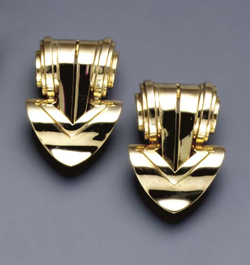 A PAIR OF RETRO 14K GOLD CLIPS, BY TIFFANY & CO.
