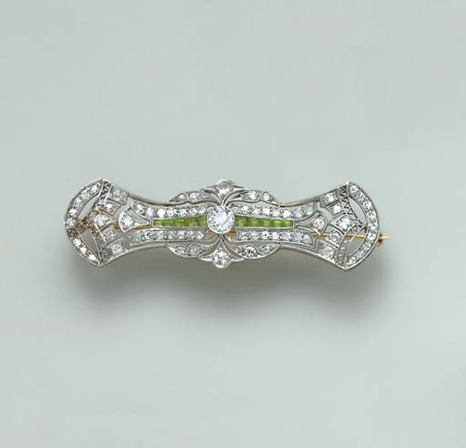 AN ART DECO DIAMOND, DEMANTOID