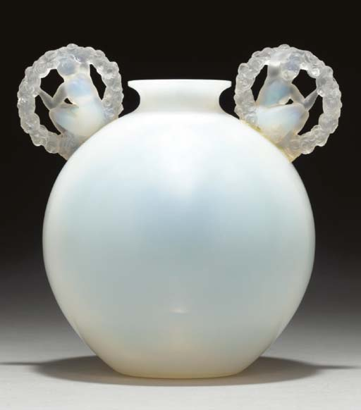 'RONSARD', AN OPALESCENT GLASS