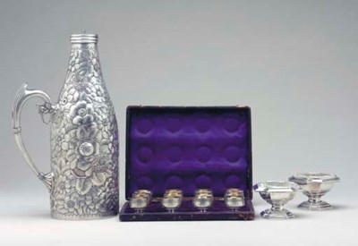 A GROUP OF SILVER TABLE ARTICL