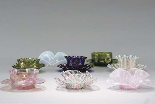 A GROUP OF VENETIAN GLASS FING