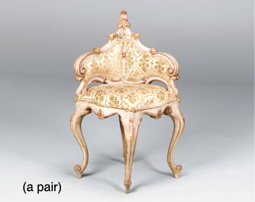 A PAIR OF ROCOCO STYLE ITALIAN