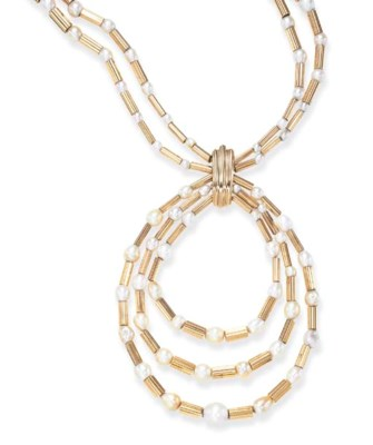 A STYLISH NATURAL PEARL AND GO