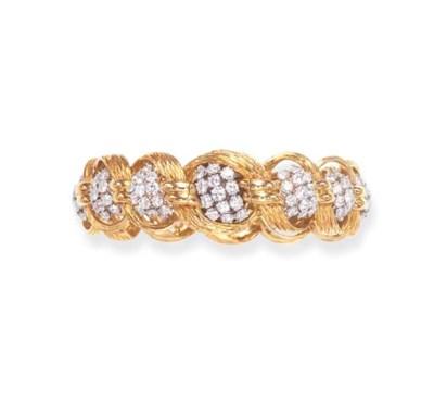 A DIAMOND AND GOLD WRISTWATCH,