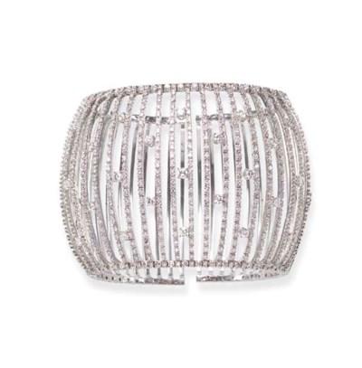 A DIAMOND CUFF BRACELET