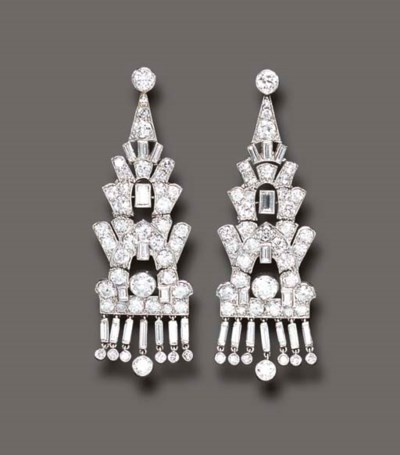AN ELEGANT PAIR OF ART DECO DI