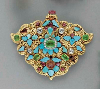 AN INDIAN GOLD AND GEM-SET PLA