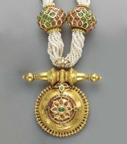 AN INDIAN MULTI-GEM AND GOLD N