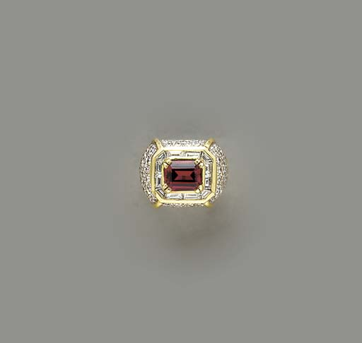 A GARNET, DIAMOND, AND 18K GOL