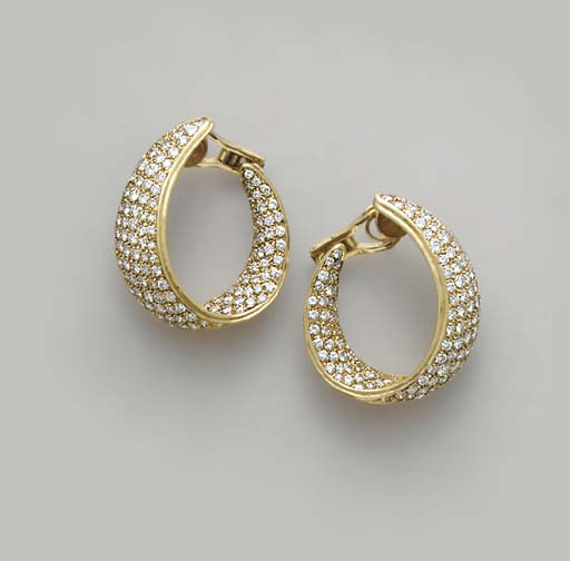 A PAIR OF DIAMOND AND 18K GOLD