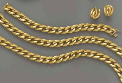 A GROUP OF 18K GOLD JEWELRY