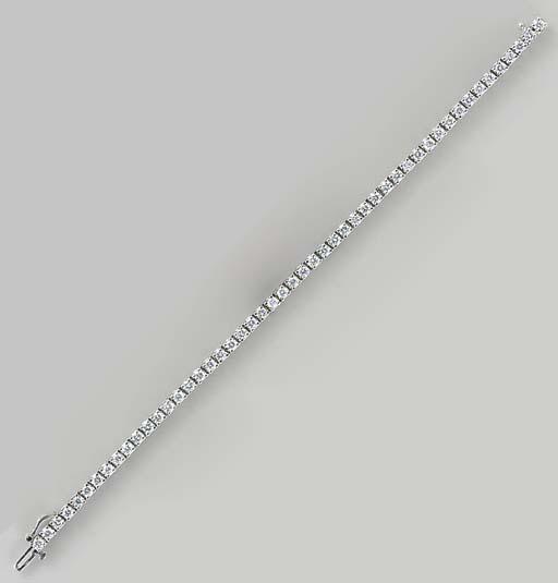 A DIAMOND AND PLATINUM LINE BR