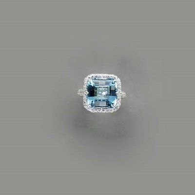 A BLUE TOPAZ, DIAMOND AND 18K