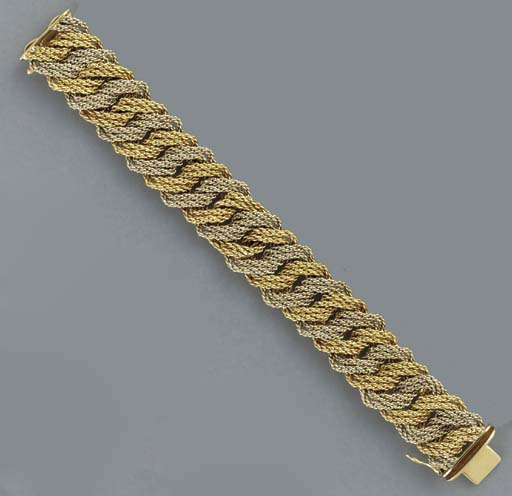 A BI-COLORED 18K GOLD BRACELET