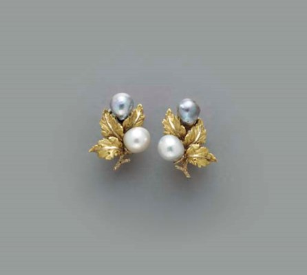 A PAIR OF BAROQUE CULTURED PEA