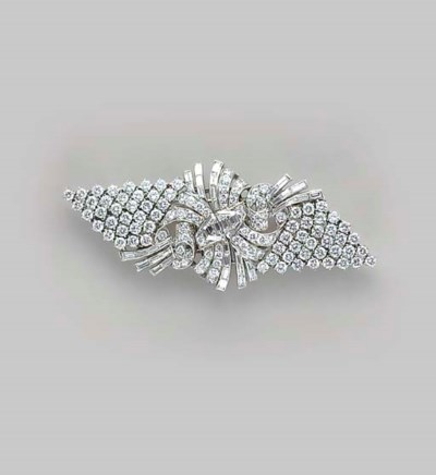 AN ART DECO DIAMOND, PLATINUM