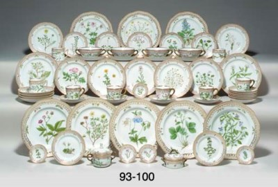 FIVE ROYAL COPENHAGEN 'FLORA D