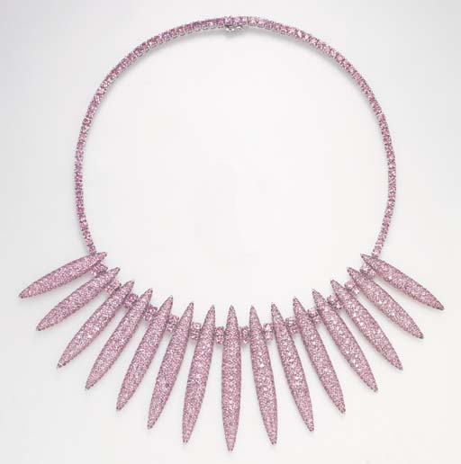 A PINK SAPPHIRE NECKLACE