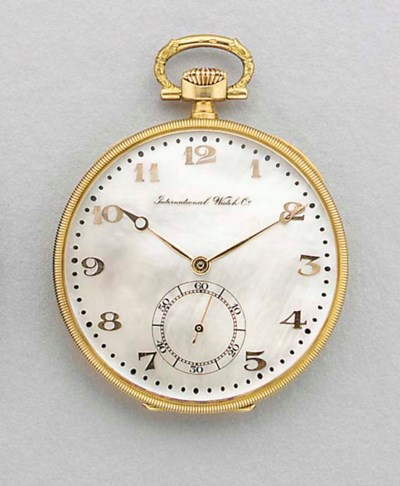 IWC. A fine 18K gold and mothe