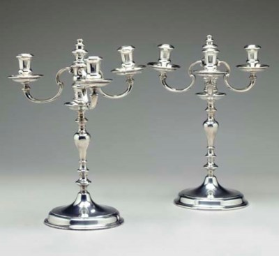 A PAIR OF JACOBEAN STYLE SILVE