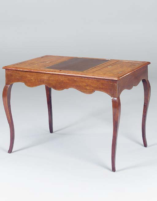 AN ITALIAN LINE INLAID WALNUT