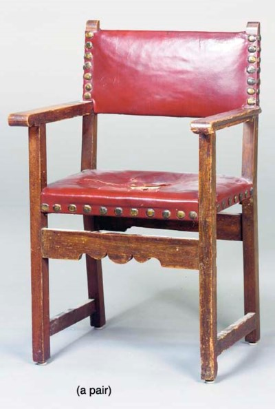 A PAIR OF BAROQUE STYLE MAHOGA