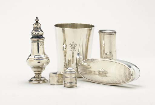 A GROUP OF SILVER TABLE OBJECT