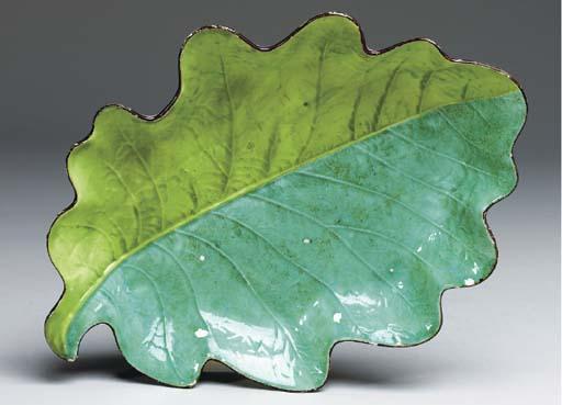 A DAVENPORT PEARLWARE GREEN-GR