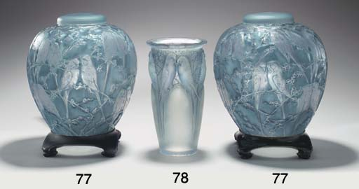 'PERRUCHES', A PAIR OF GLASS V