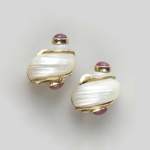 A PAIR OF TURBO SHELL, RUBY AN
