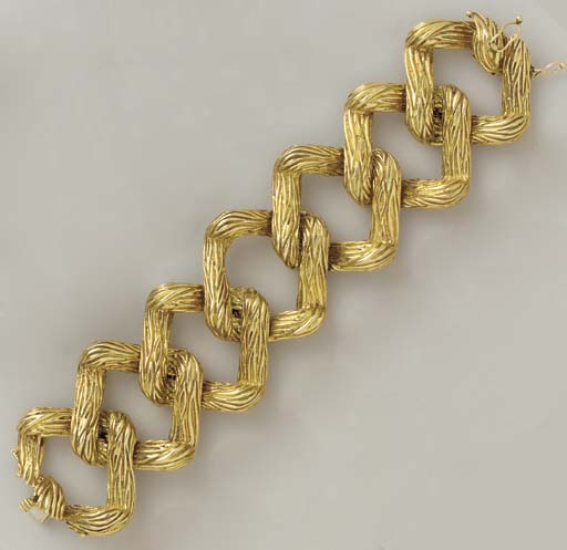 A GOLD BRACELET, BY TIFFANY &