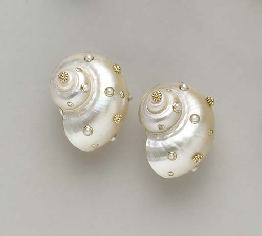 A PAIR OF SHELL, DIAMOND AND 1